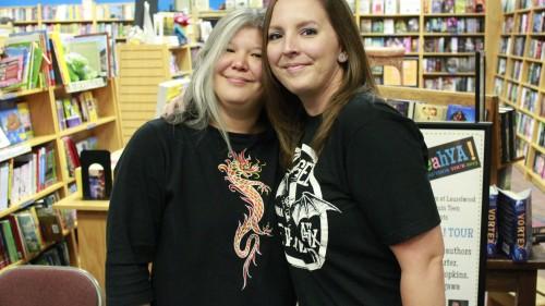 Julie Kagawa & I!