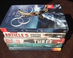 Heartbeat Weekly (53): Kristen Simmons signing!